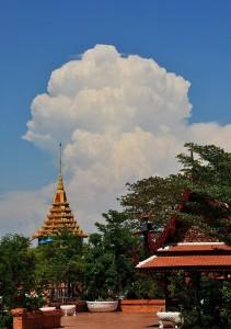 Cumulus_congestus-2013-05-04-1429-Ancient_Siam-Buncha