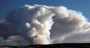 Pyrocumulus-as_a_result_of_forest_fires_near_Yellowstone_National_Park_USA